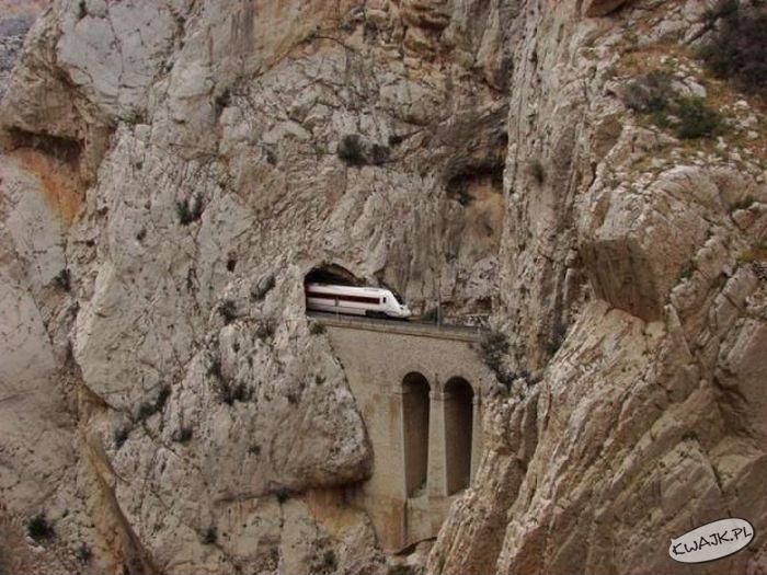 Wynurzenie ze skał