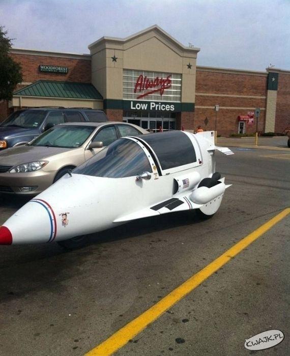 Fura na parkingu