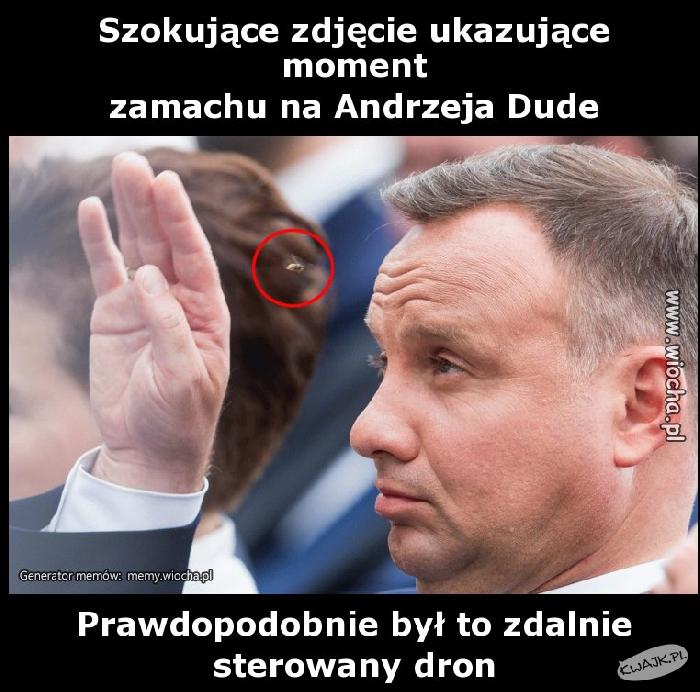 Moment zamachu na Andrzeja Dudę