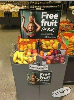 W tym sklepie możesz wziąć dziecku owoc do jedzenia podczas zakupów