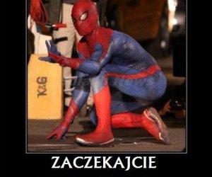 Spiderman nosi soczewki!